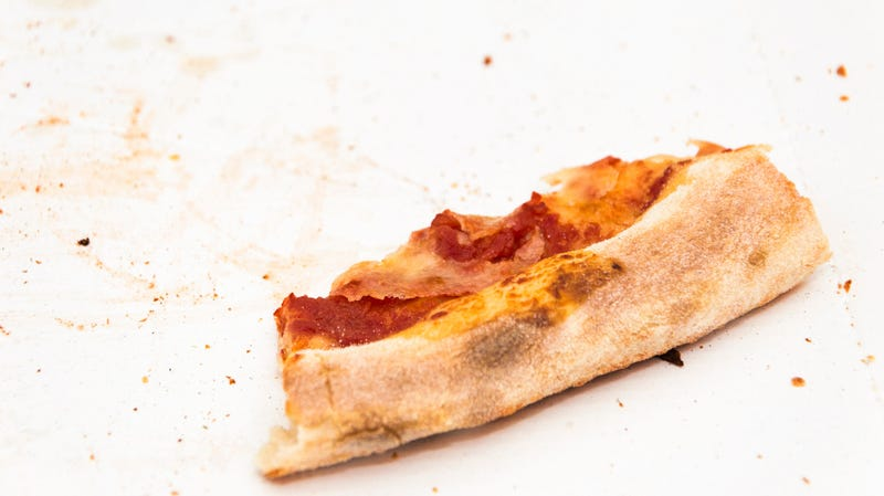 "Illustration for article titled Pizza chain to start selling ""Just The Crusts"" box"