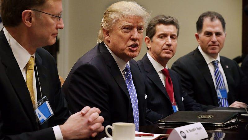 Dell CEO Michael Dell with Donald Trump. Photo: Getty