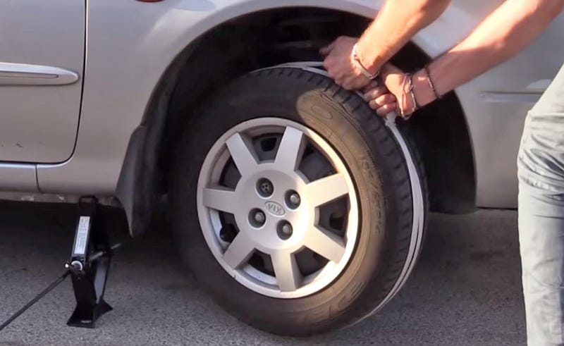 I spy safety violations. (Image via Shake The Future/YouTube)