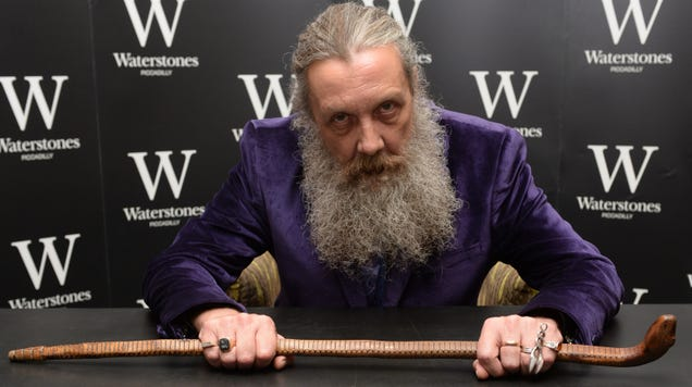 Alan Moore's retirement from comics is now apparently official