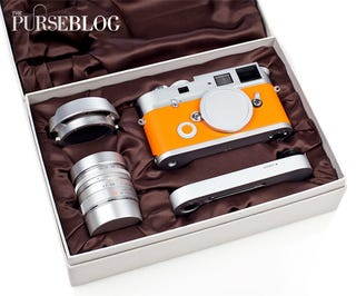 Illustration for article titled Leica M7 Hermès Camera Gets Fondled In Lavish Hands-On Unboxing