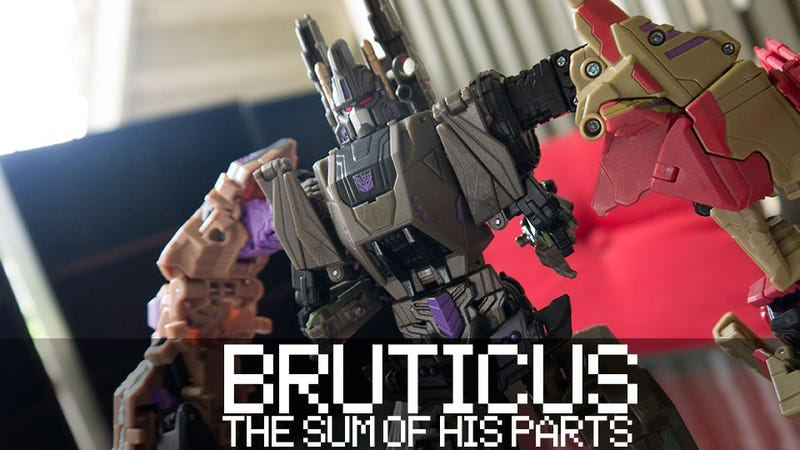 Illustration for article titled Doing Battle with Fall of Cybertron's Bruticus Figure