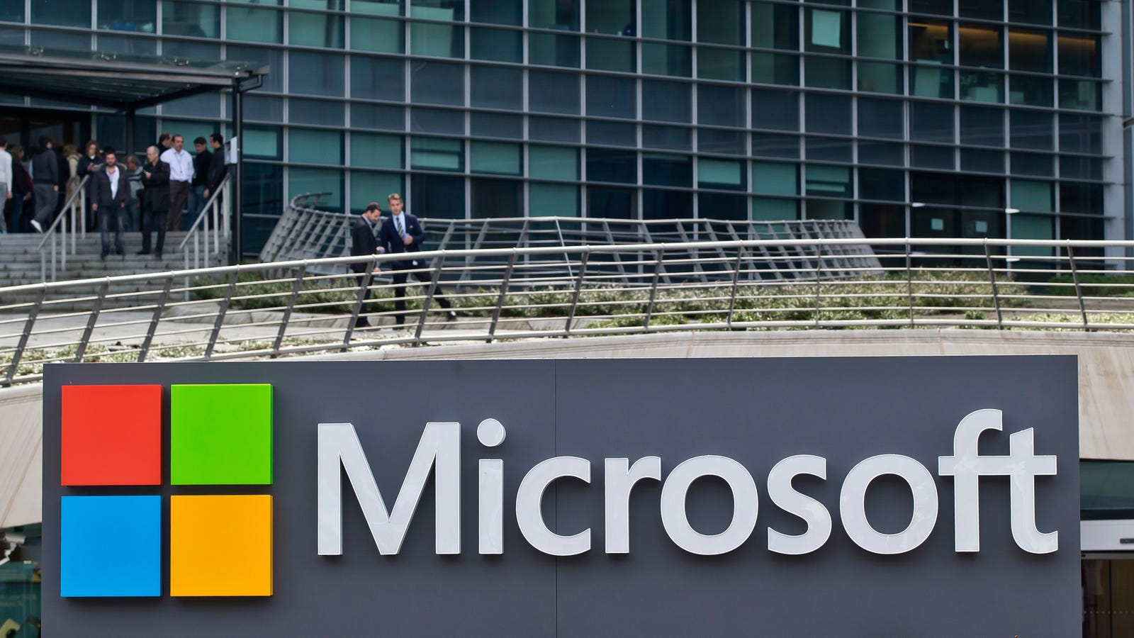 photo of Microsoft Pats Itself on Back For Some Pretty Weak Climate Pledges image