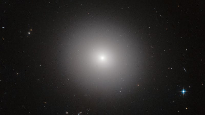 Elliptical galaxy IC 2006. Not the galaxy that the researchers are talking about, but you get the idea (Image: ESA/Hubble & NASA/Flickr)