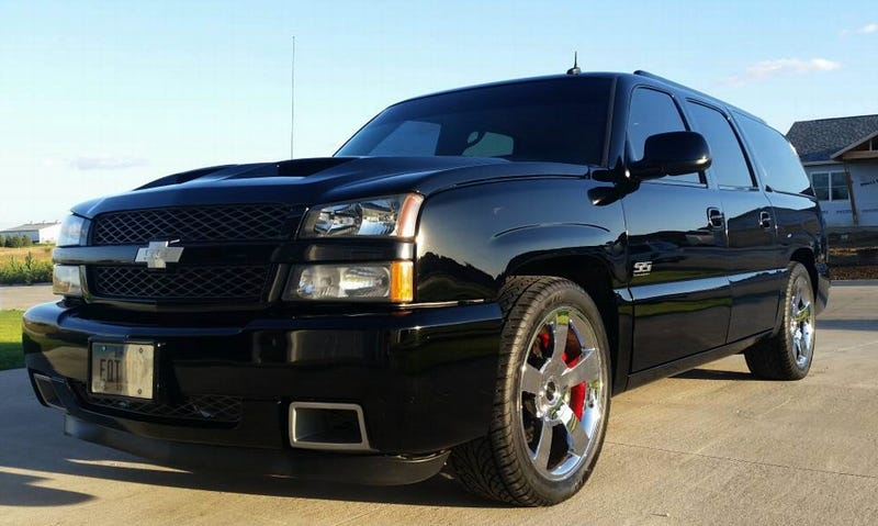 for 18 995 would you say this custom 2003 chevy suburban is super sporty. Black Bedroom Furniture Sets. Home Design Ideas