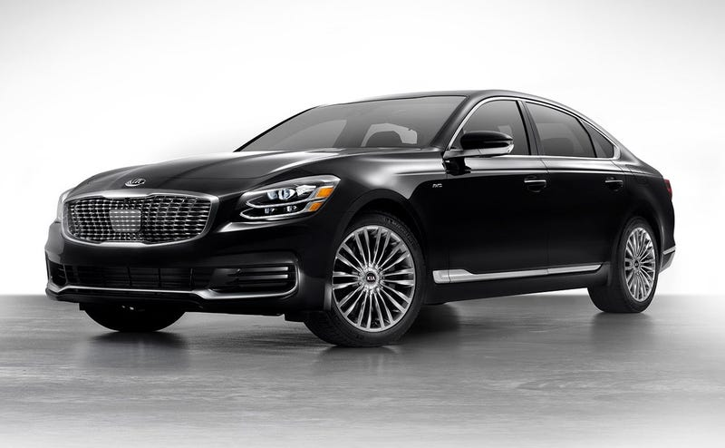 Illustration for article titled For the few hundred people that care: the 2019 Kia K900 starts at $59,900