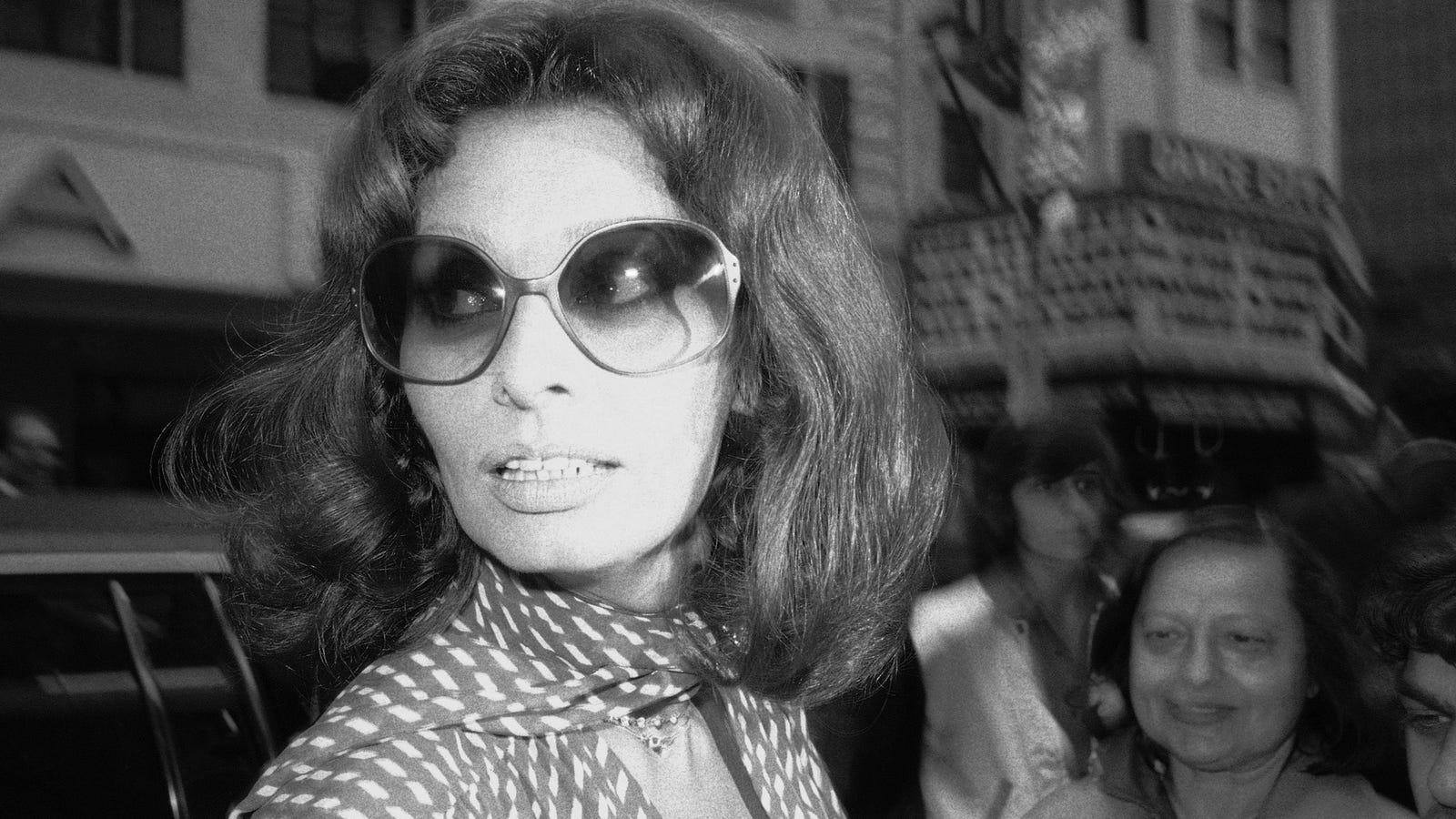 Let's Talk About Sophia Loren's Taste in Glasses