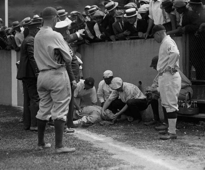Illustration for article titled That Time Babe Ruth Ran Into The Wall And Knocked Himself Out