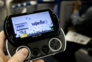Illustration for article titled PSP Fans Are Never Happy, With the PSPgo Set to Receive a UMD Add-On Via Logitech