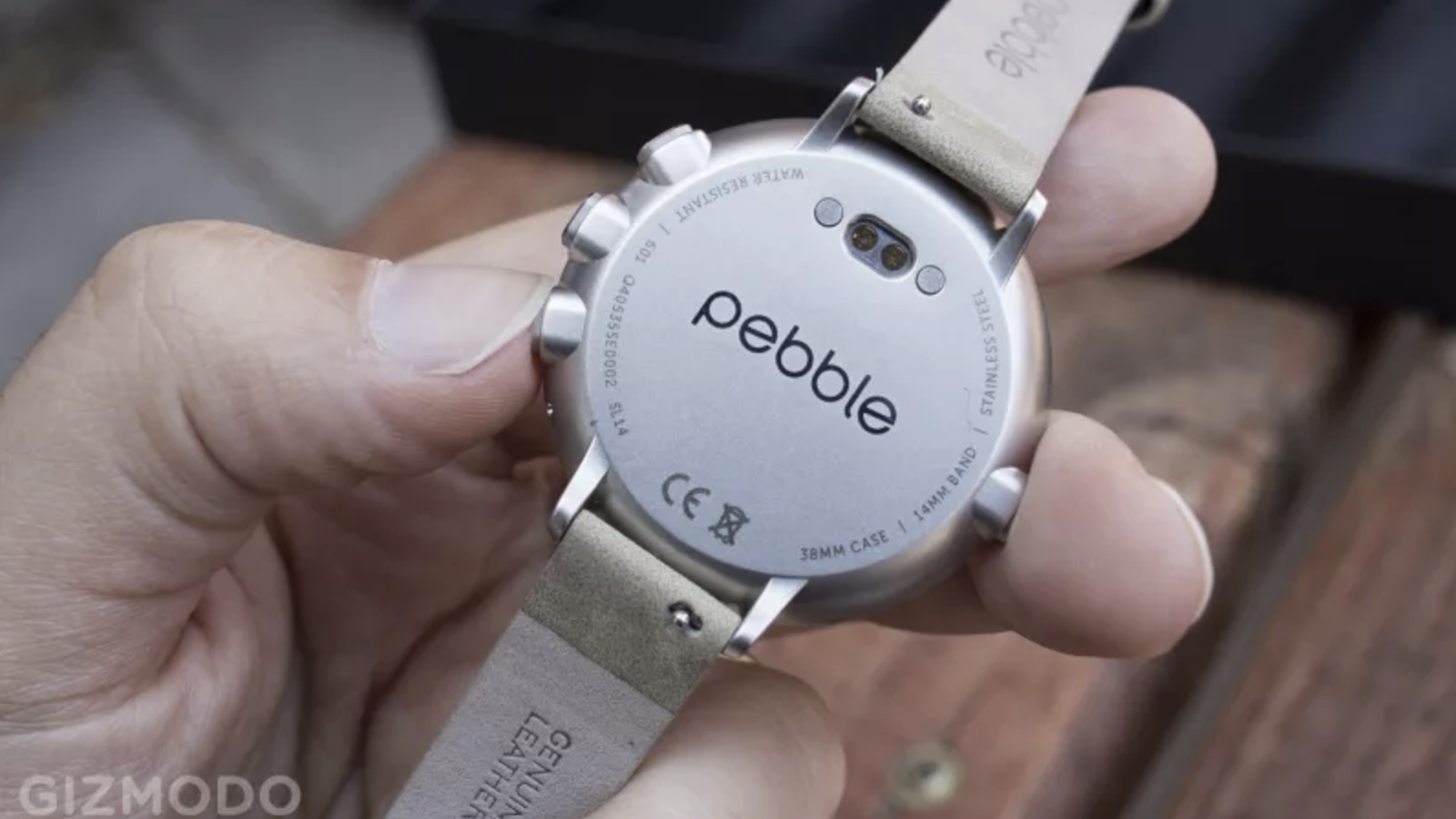Watch Post It Notes Pebble Is Dead And Its Customers Are Completely Screwed