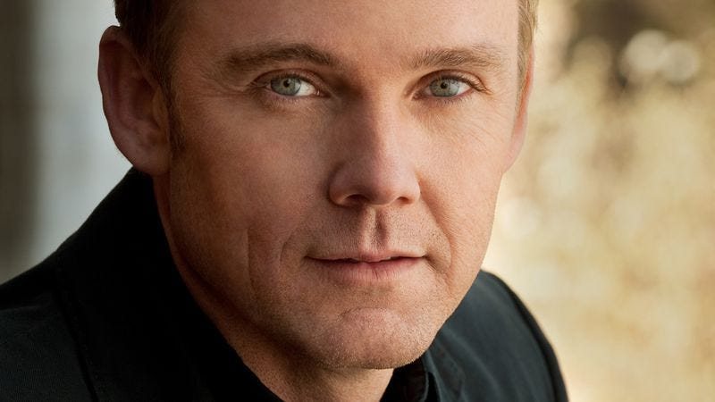 Illustration for article titled Ricky Schroder on public puberty, NYPD Blue, and re-watching his child-actor roles