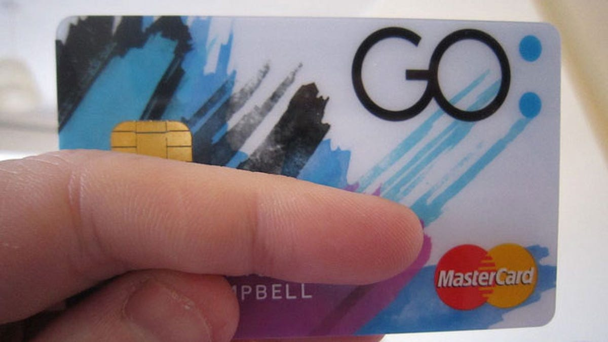 Build Credit by Using the Right Prepaid Credit Cards