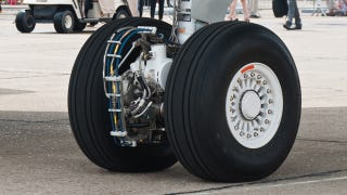 Illustration for article titled Electric Taxiing Motors Could Save Airlines Millions Of Dollars