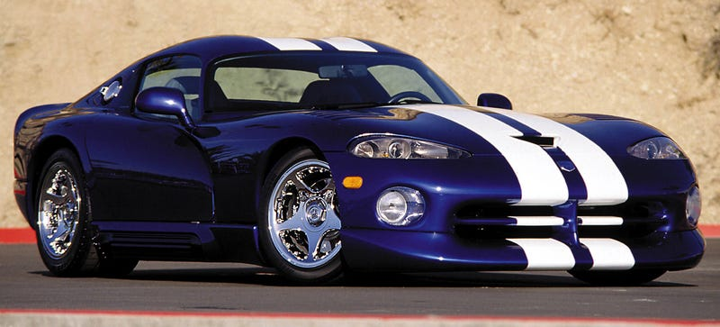 Illustration for article titled Look At The Chrome Wheels On This Dodge Viper