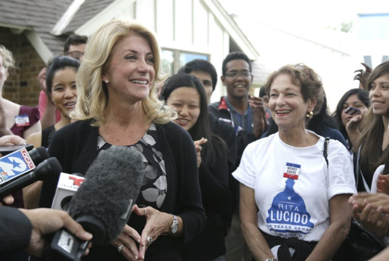 Illustration for article titled Wendy Davis Is Something Called a 'Gynecist,' Says Conservative Mag