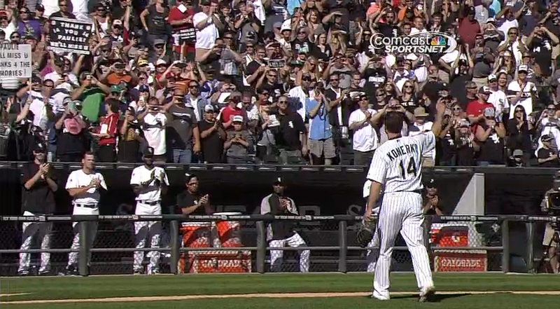 Illustration for article titled Paul Konerko Leaves Final White Sox Game To A Standing Ovation