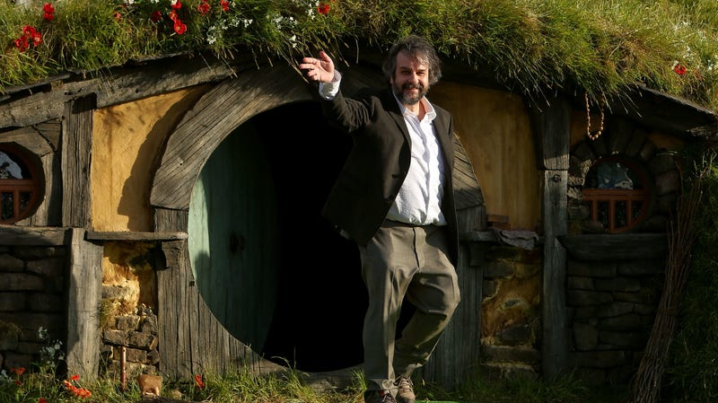 Illustration for article titled Peter Jackson has better things to do than read comic books, nerds