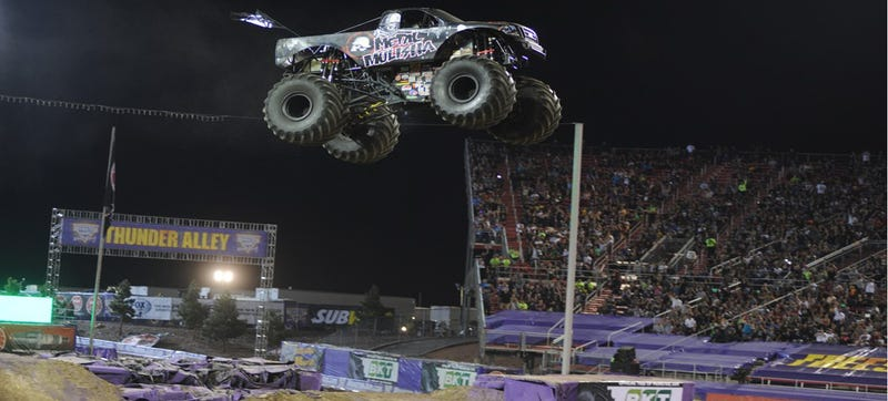 Illustration for article titled Holy Crap This Monster Truck Jump