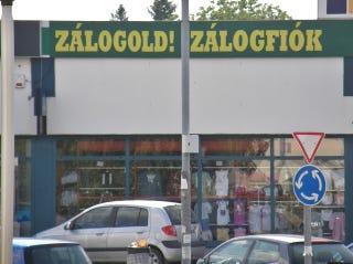Illustration for article titled Ez a zálogház-hirdetés súlyosabb, mint Klapkáé!!!