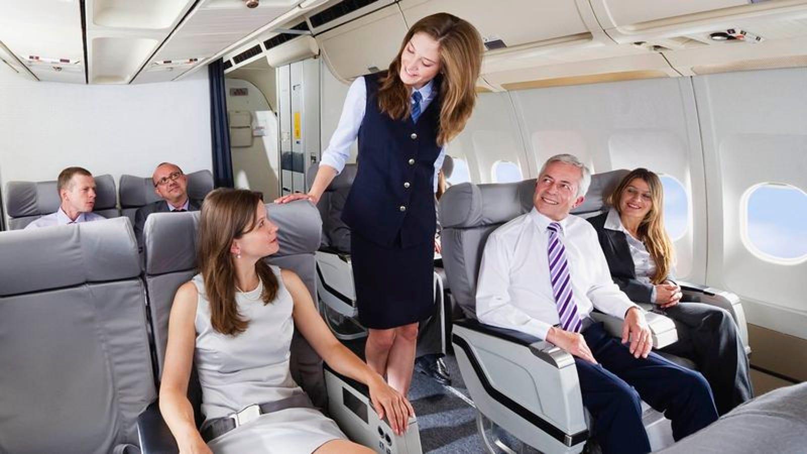 Flight Attendant Quietly Informs First Class Passengers -4003