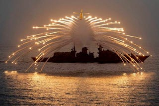 Illustration for article titled Ring In Your Weekend With This Incredible Photo From The Royal Navy