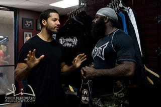 Illustration for article titled Kimbo Slice Lives An American Fantasy And Punches David Blaine In The Stomach