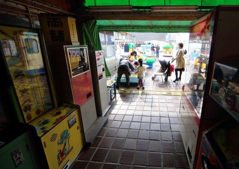 Illustration for article titled Así fue el nacimiento de los míticos salones arcade de Japón