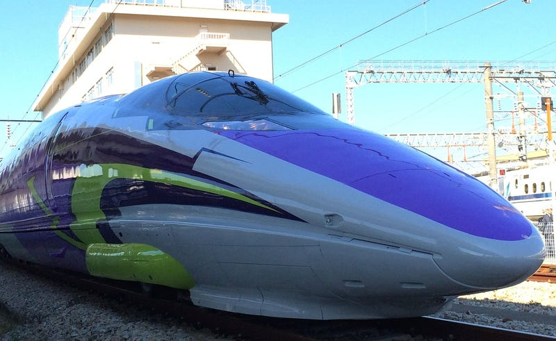 Illustration for article titled The Evangelion Bullet Train Looks Truly Magnificent in Real Life