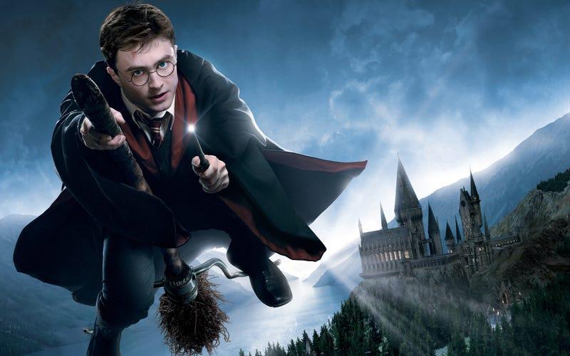 Illustration for article titled Dos nuevos libros de Harry Potter llegarán en octubre para celebrar los 20 años del mago