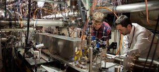 Illustration for article titled A Radically New Particle Accelerator Could Have 500 Times the Power