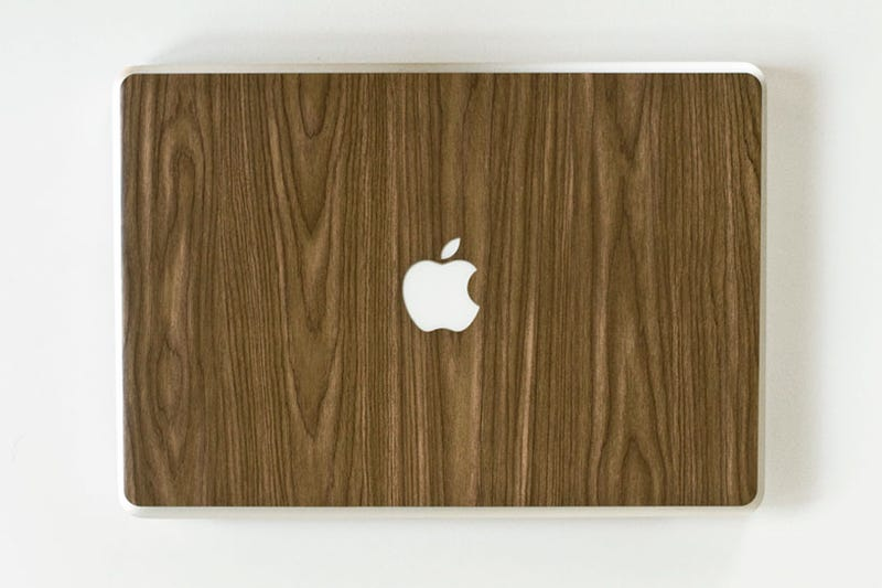 Illustration for article titled Macbook Woodgrain Covers Are Almost Perfect