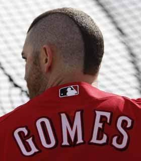 Illustration for article titled Tony La Russa Is Going To Overmanage Right At Jonny Gomes's Head