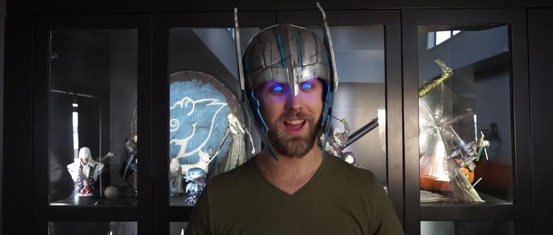 Illustration for article titled Cómo hacer una réplica del casco de Thor que haga brillar tus ojos como si fueras el superhéroe de Marvel
