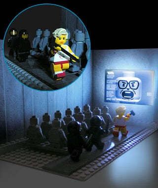 Illustration for article titled Classic 1984 Themed Apple Commercial Lego Set