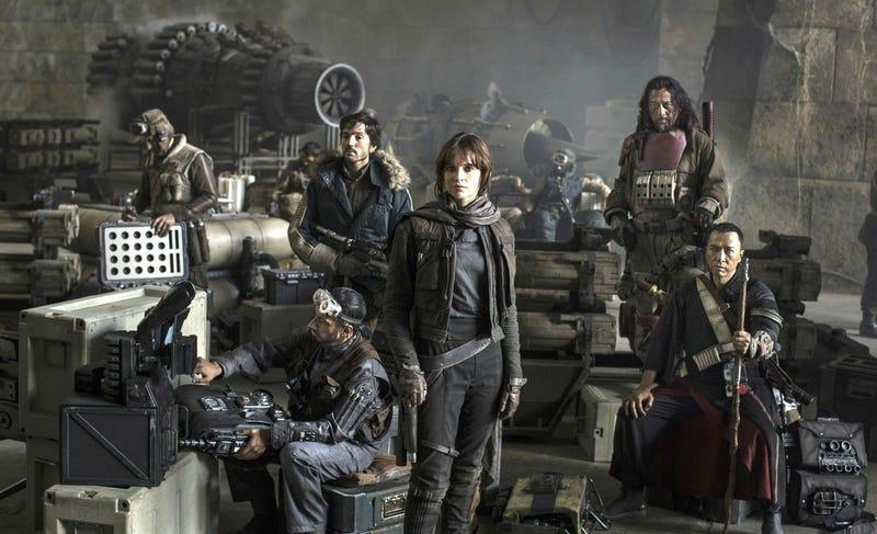 Illustration for article titled El final de Rogue One: A Star Wars Story no iba a ser tan trágico (incluso había una boda)