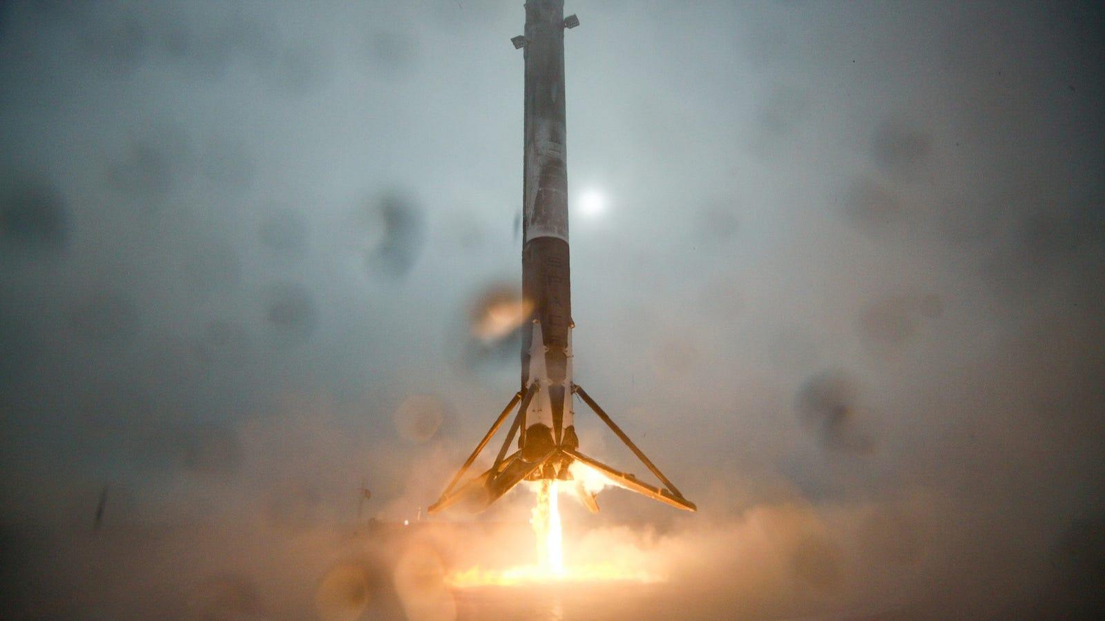 El Falcon 9 de SpaceX vuelve a estrellarse al intentar aterrizar sobre una barcaza