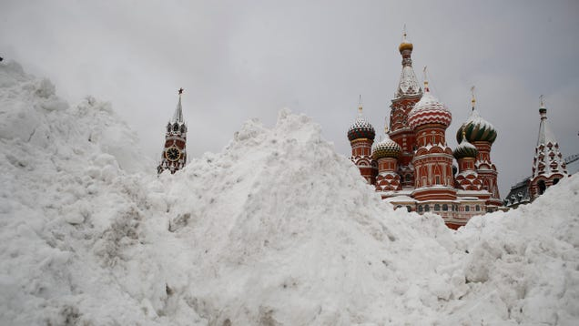 This Is What  Snowfall of the Century  Looks Like in Moscow