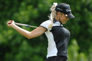 Illustration for article titled Essay Contest: Win a Date With LPGA Golfer Natalie Gulbis