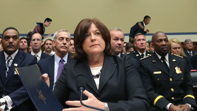 Illustration for article titled Obama Currently Being Chased In Background Of Secret Service Hearing