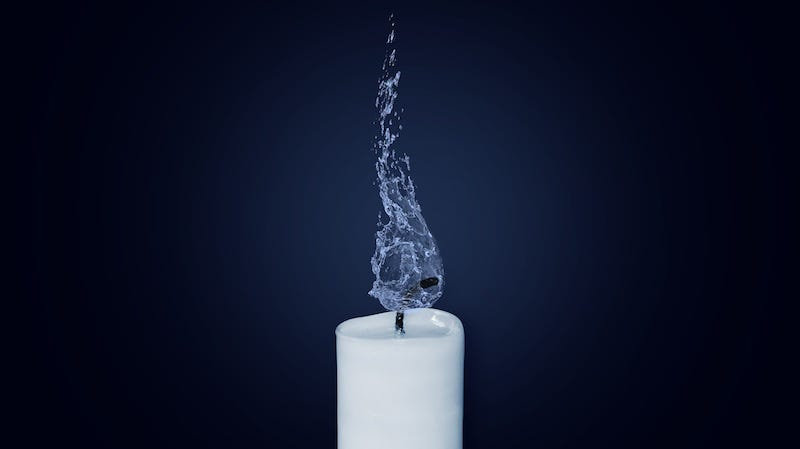 Illustration for article titled Why You Should Trim Your Candle Wicks Before Each Burn