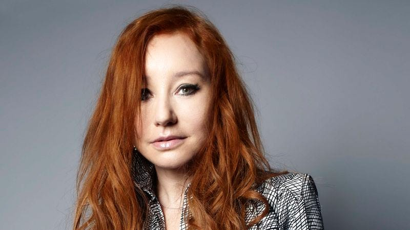 Illustration for article titled Tori Amos gets her groove back