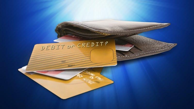 Illustration for article titled When Should I Use Credit and When Should I Use Debit When Shopping?