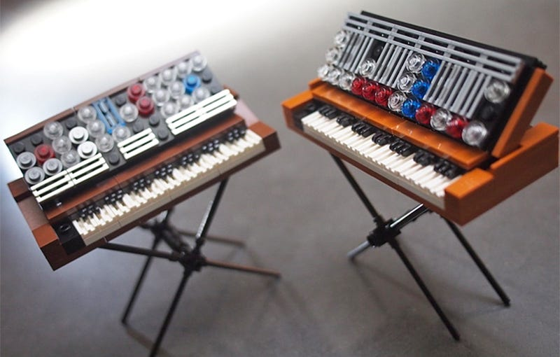 Illustration for article titled Go Vote So These Tiny Lego Minimoog Synthesizers Become Real Sets