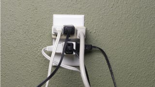 Illustration for article titled Learn the Limits of Your Electrical Outlets to Avoid Fires
