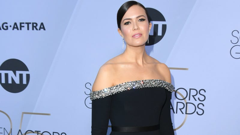 Illustration for article titled Mandy Moore Opens Up About Marriage to Ryan Adams: 'I Had No Sense of Self, I Was Imperceptible'