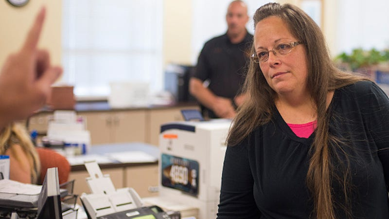 Illustration for article titled Kim Davis Released From Prison, Status Reports Required Every 14 Days