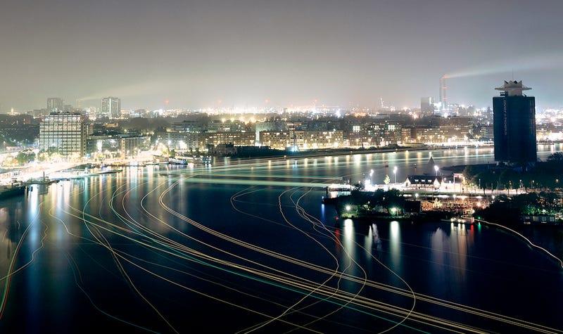 Illustration for article titled ¿Cuáles son las ciudades más contaminadas de luz del planeta?