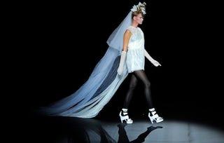 Illustration for article titled Epic Wedding Veil Floats Down Barcelona Runway