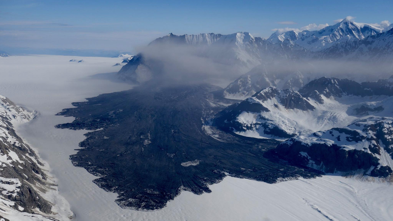 The Lamplugh Glacier rock avalanche (Image: Paul Swanstrom/Mountain Flying Service)