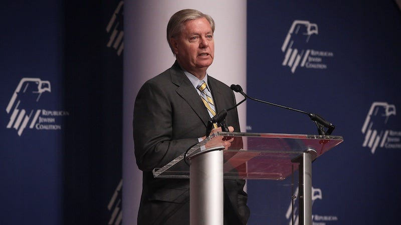 Illustration for article titled Lindsey Graham Argues GOP's Stringent Pro-Life Stance Will 'Lose Young Women in Droves'